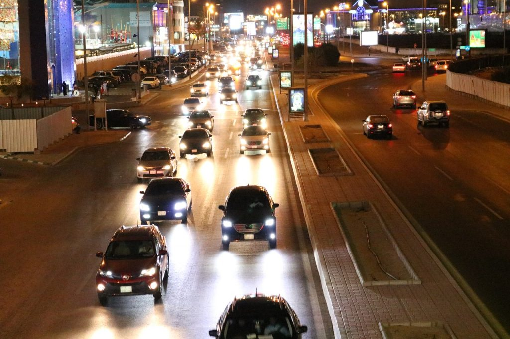 To adapt to a Jeddah neighborhood after moving, you need to learn the streets and traffic schedule