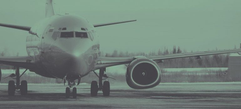Airplane caring the air freight to Saudi Arabia