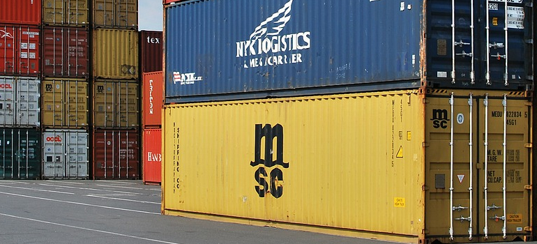 shipping containers you need to look at before deciding which container is suitable for you