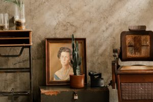 Packing your valuable antiques such as paintings