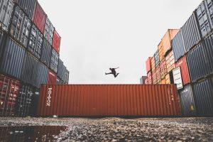 shipping boxes - spot an unprofessional 3PL