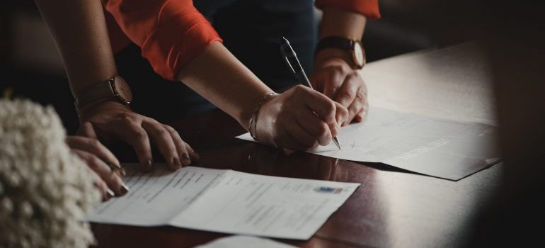 person signing documents they can't entrust anyone with