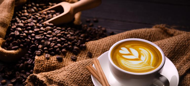 القهوة.. أنواعها ومراحل تحضيرها وسبب ارتفاع أسعارها