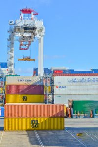 Ultra-large containers at the port
