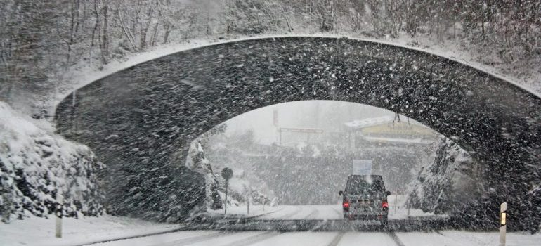 Prevent the rise of shipping delays in 2021 by avoiding shipping during bad weather